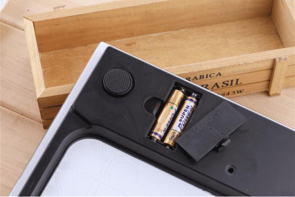 ノベルティ製造-オリジナルデジタル体重計製作