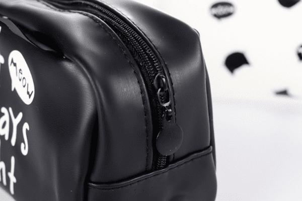 ノベルティ製造-オリジナル 化粧ポーチ 製作